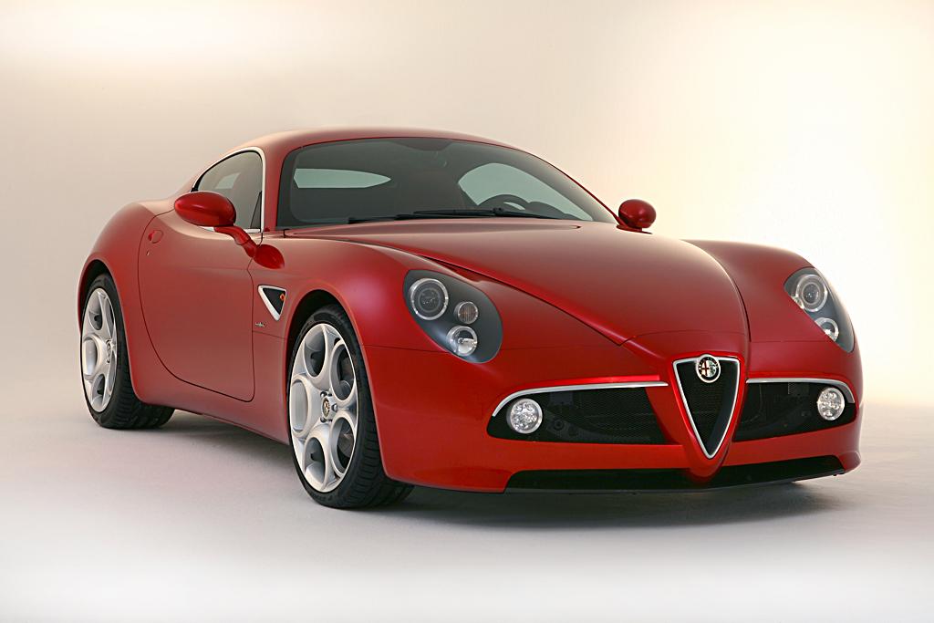 Alfa Romeo 8C Competizione_front three quarter