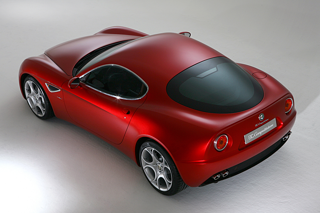 Alfa Romeo 8C Competizione_rear overhead
