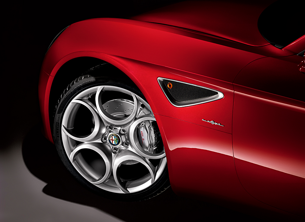 Alfa Romeo 8C Competizione_wheel