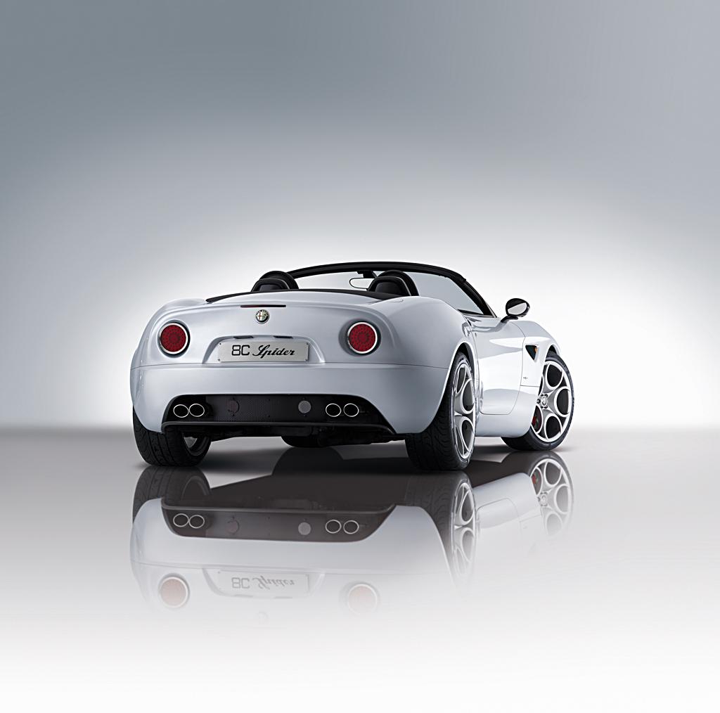 Alfa Romeo 8C Spider - rear