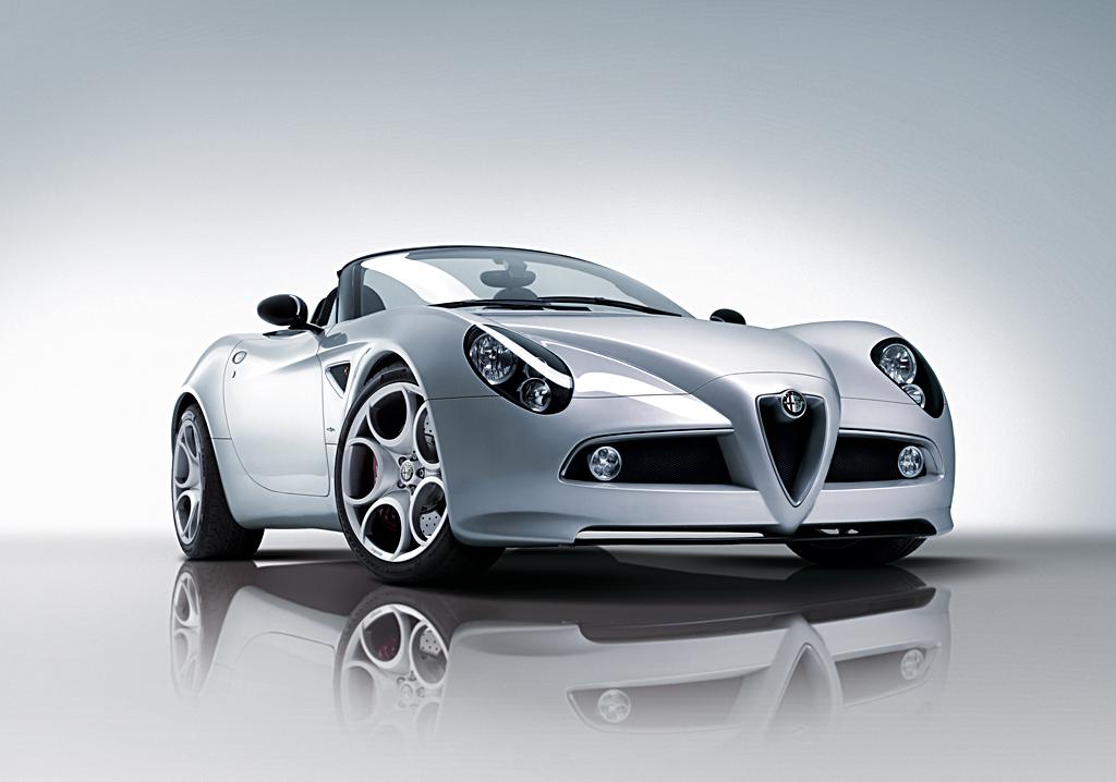 Alfa Romeo 8C Spider - front three quarter