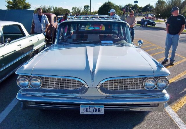 bonneville station wagon front