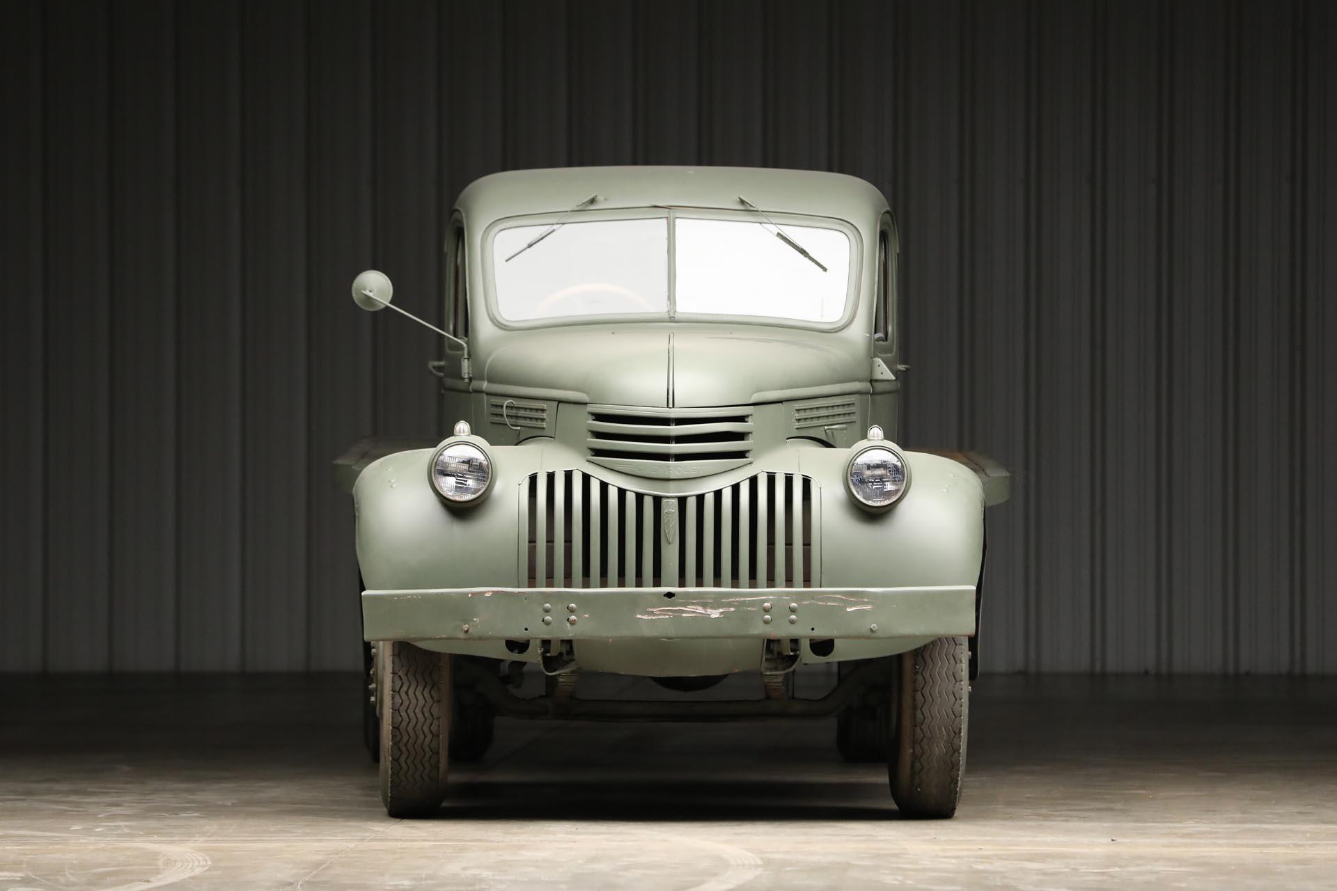 1941 Chevrolet 1543 GS Front