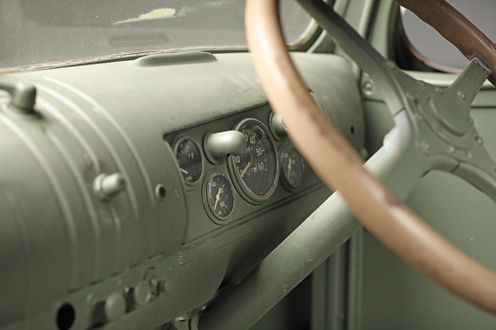 1941 Chevrolet 1543 GS Interior Dash