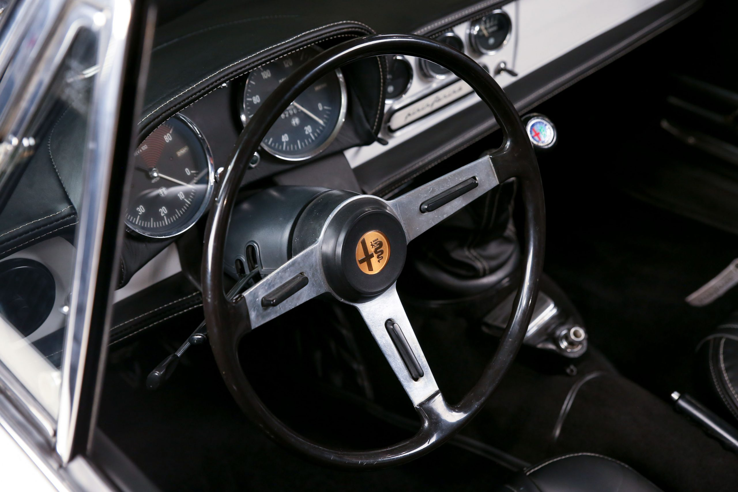 967 Alfa Romeo 1600 'Duetto' Spider interior