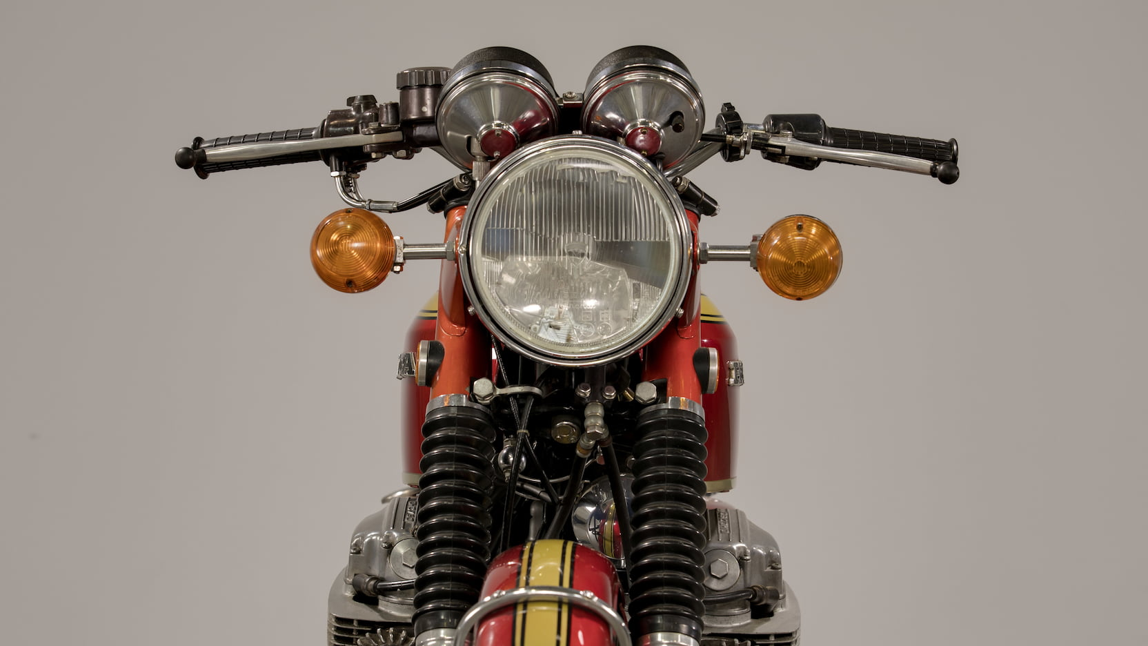 1969 Honda CB750 Sandcast Front Close