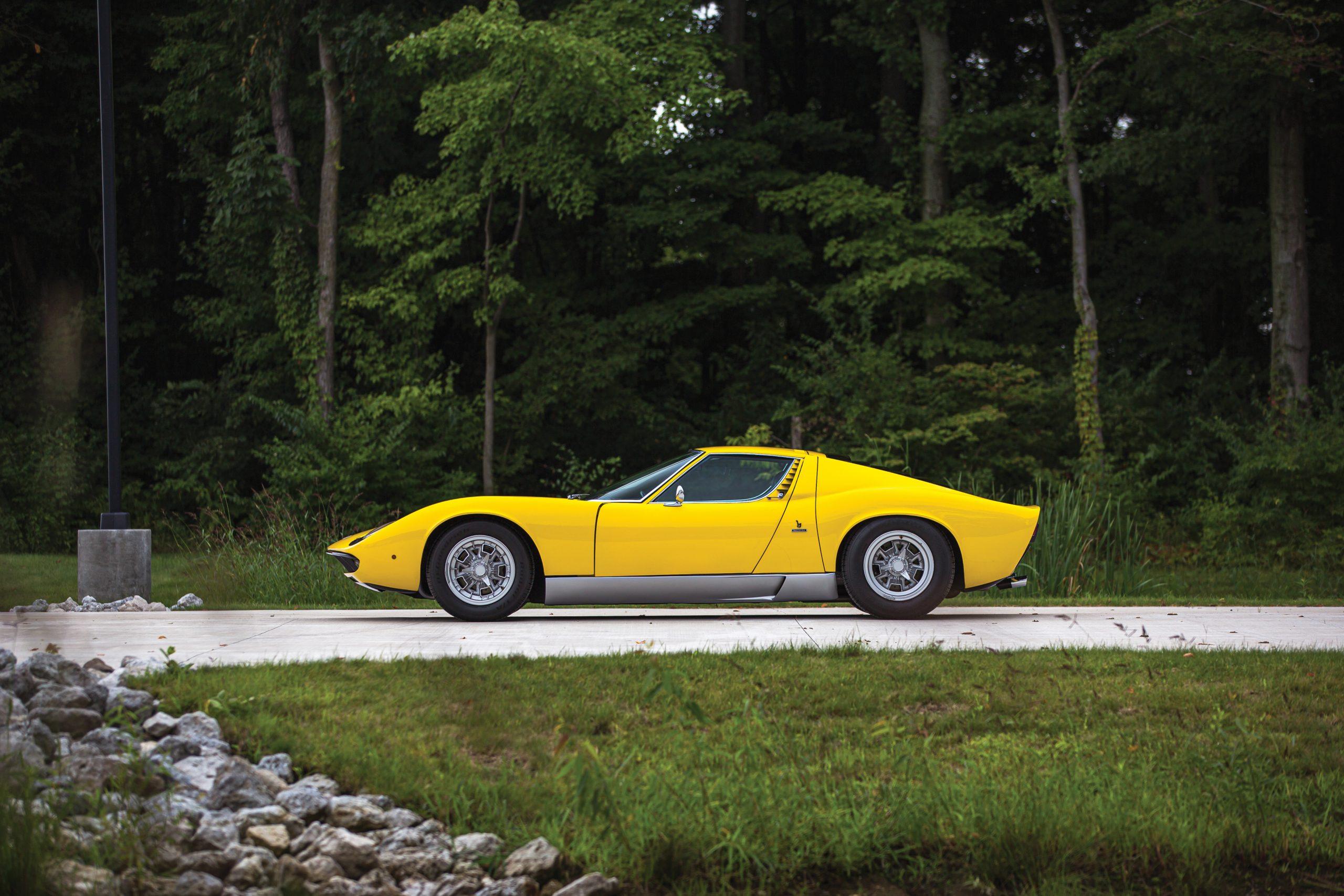 1969 Lamborghini Miura P400 S by Bertone profile