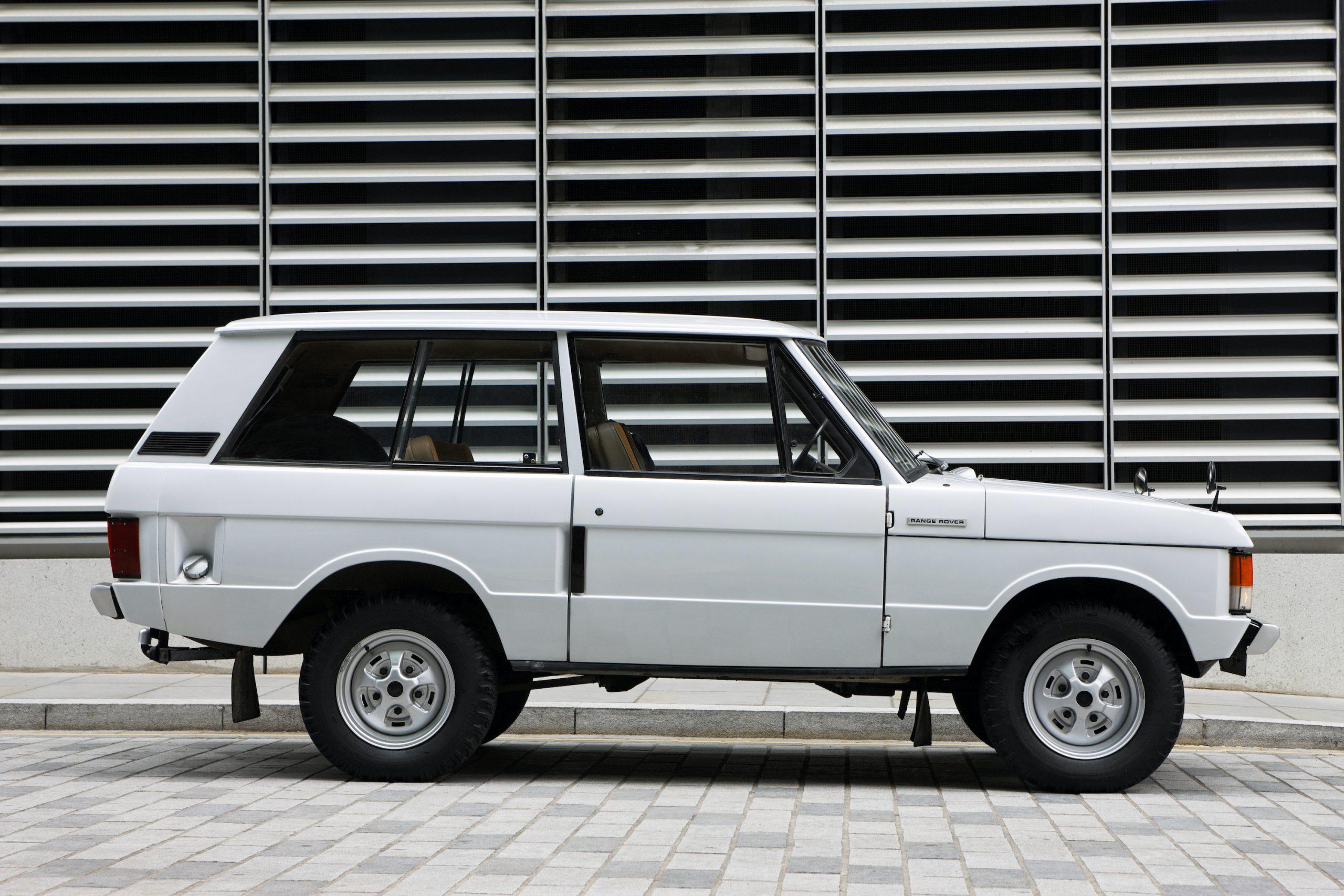 1970 Range Rover Side Profile