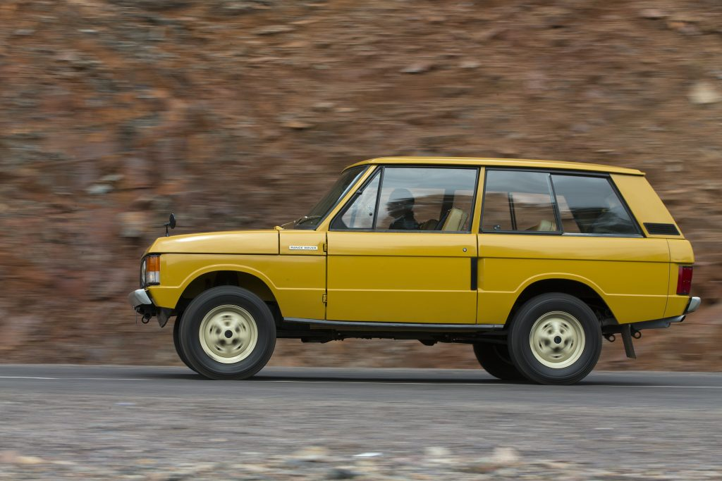 1970 Range Rover Side Profile Road Action