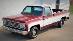 1975 Chevrolet C10 Cheyenne 454 Truck Front Three-Quarter