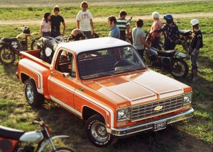 1976 Chevrolet C/10 Stepside Pickup Front Three-Quarter