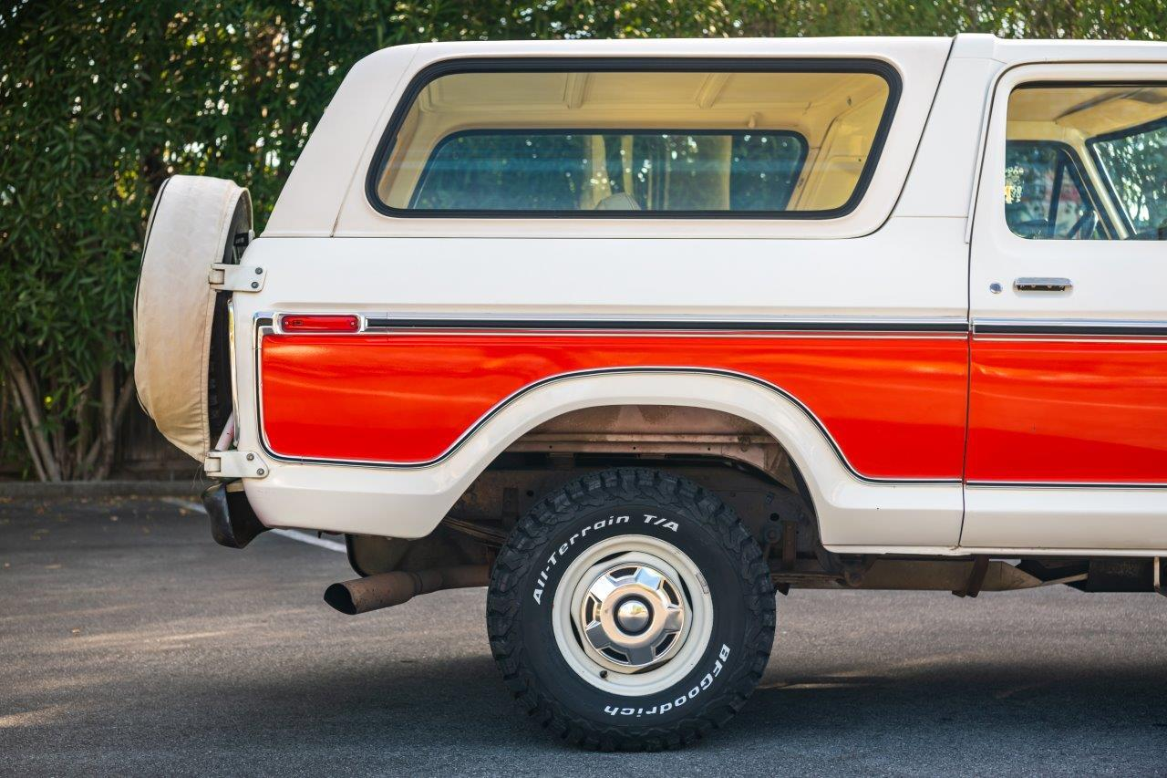 1979 Ford Bronco Custom Back Half Side View