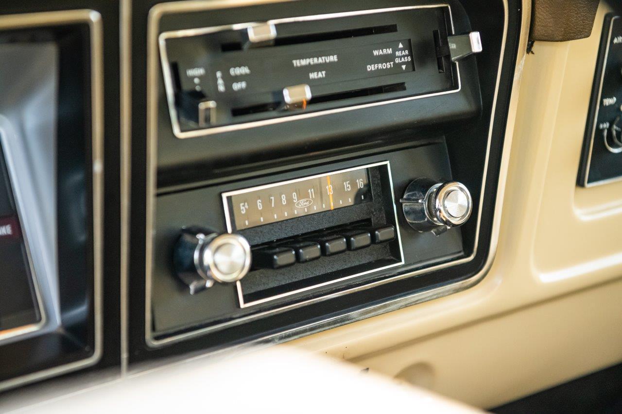 1979 Ford Bronco Custom Interior Radio