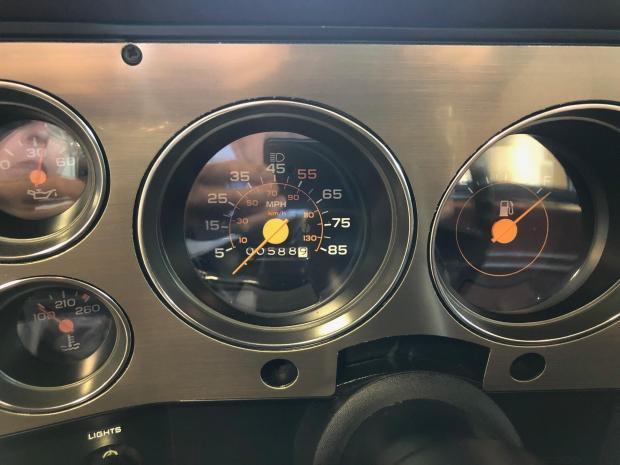 1985 Chevrolet K20 Scottsdale Bring a Trailer gauges odometer