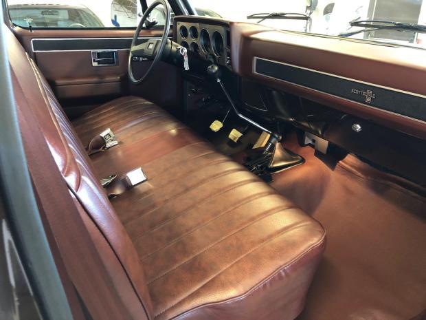 1985 Chevrolet K20 Scottsdale Bring a Trailer interior