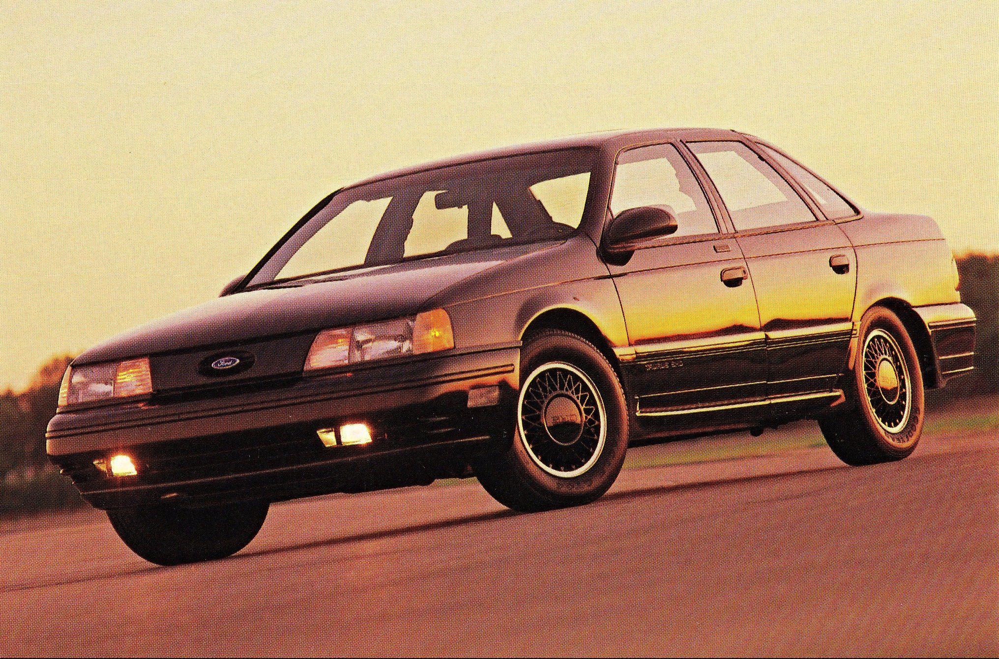 1990 Ford Taurus SHO Front Three-Quarter