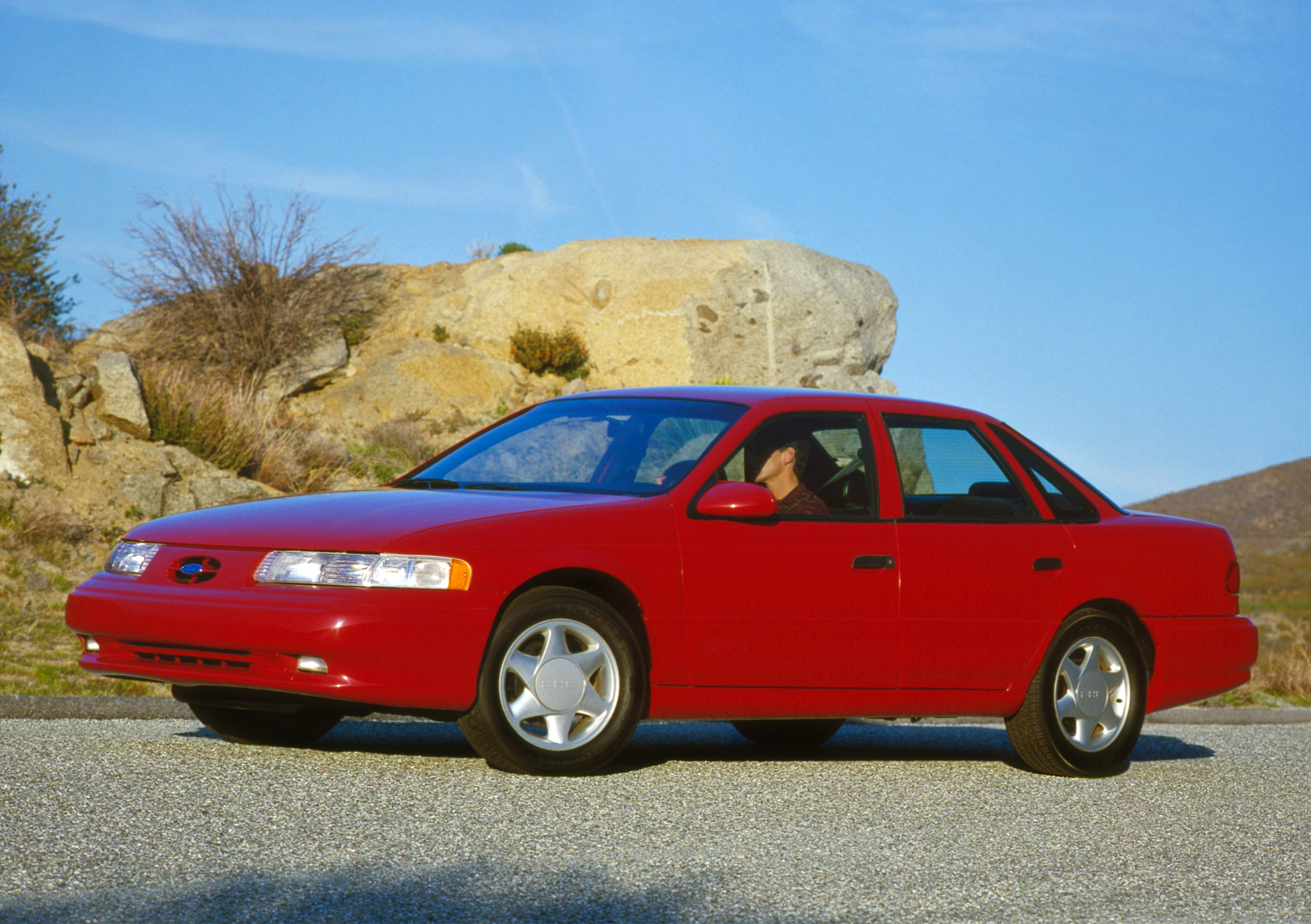 1992 Ford Taurus SHO Front Three-Quarter