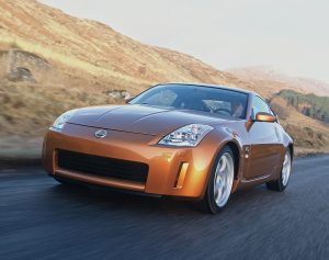 350Z Front Three-Quarter Action