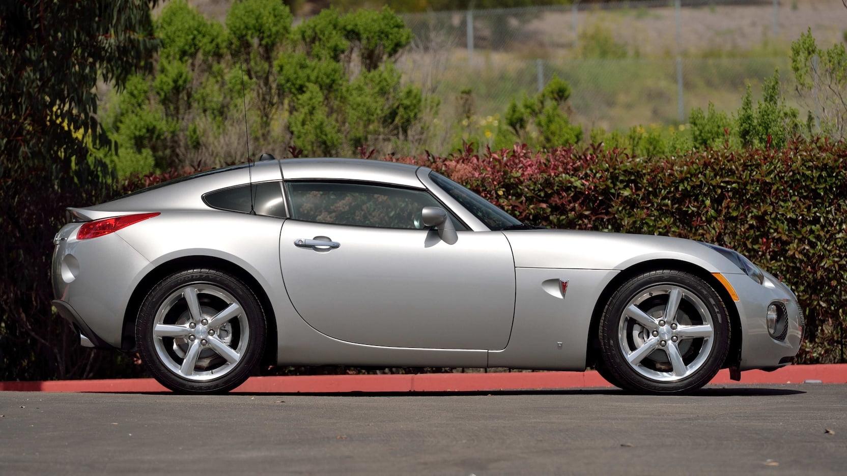 2009 Pontiac Solstice GXP Coupe - passenger side profile