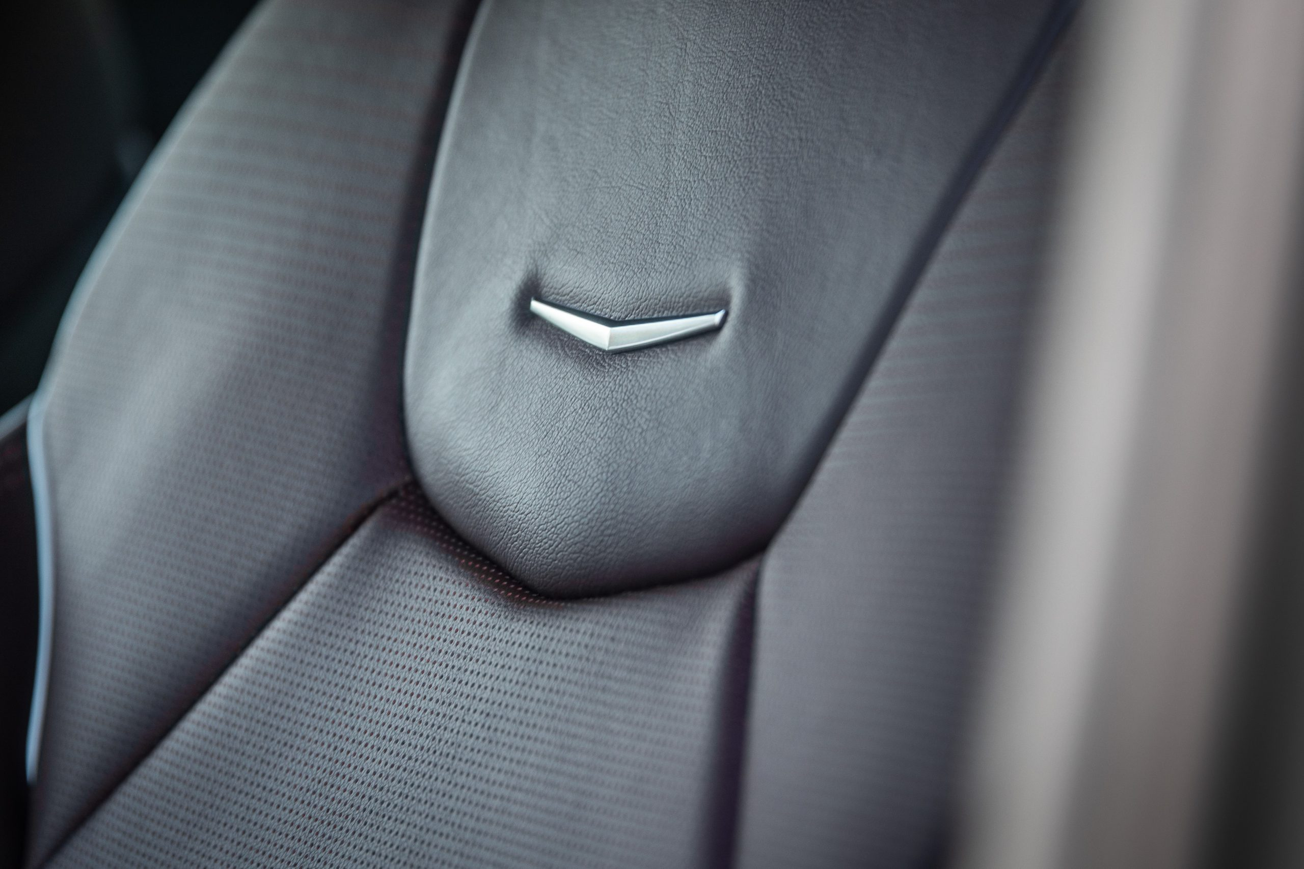 2020 Cadillac CT4-V 24 headrest detail