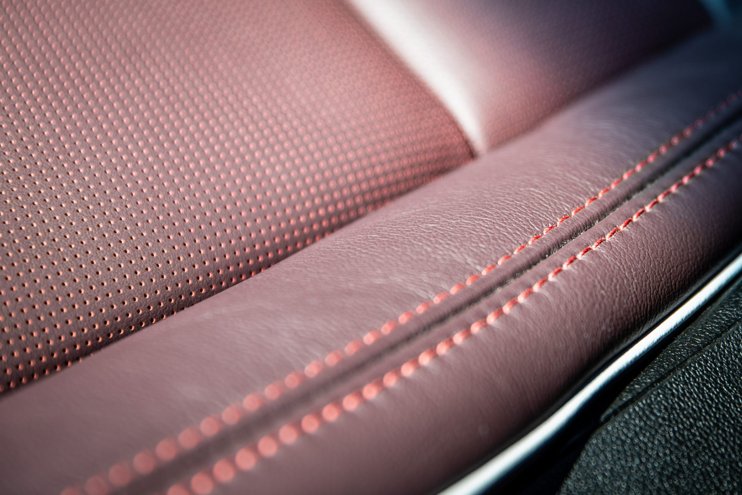 2020 Cadillac CT4-V 24 seat stitching