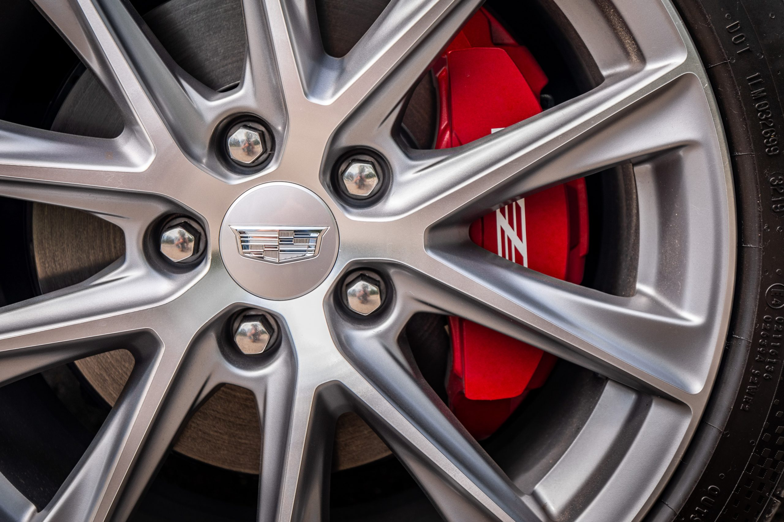 2020 Cadillac CT4-V wheel caliper close up