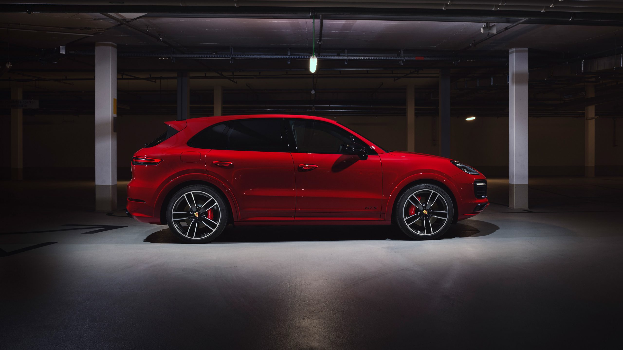 2020 Porsche Cayenne GTS Side View