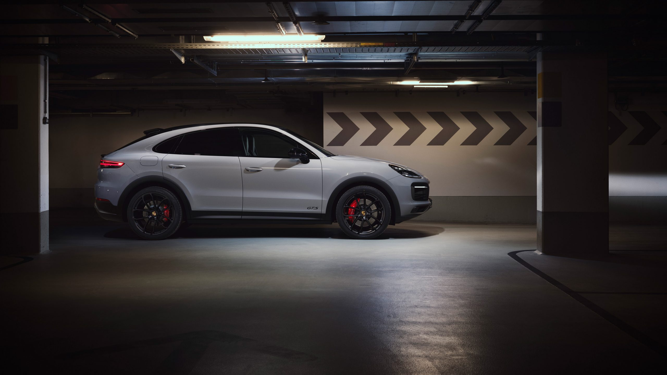 2020 Porsche Cayenne GTS Coupe Side View