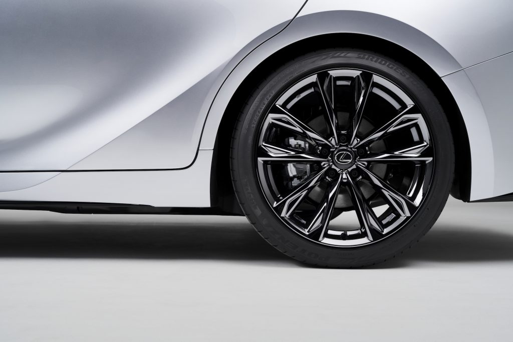 2021 Lexus IS 350 F Sport rear wheel