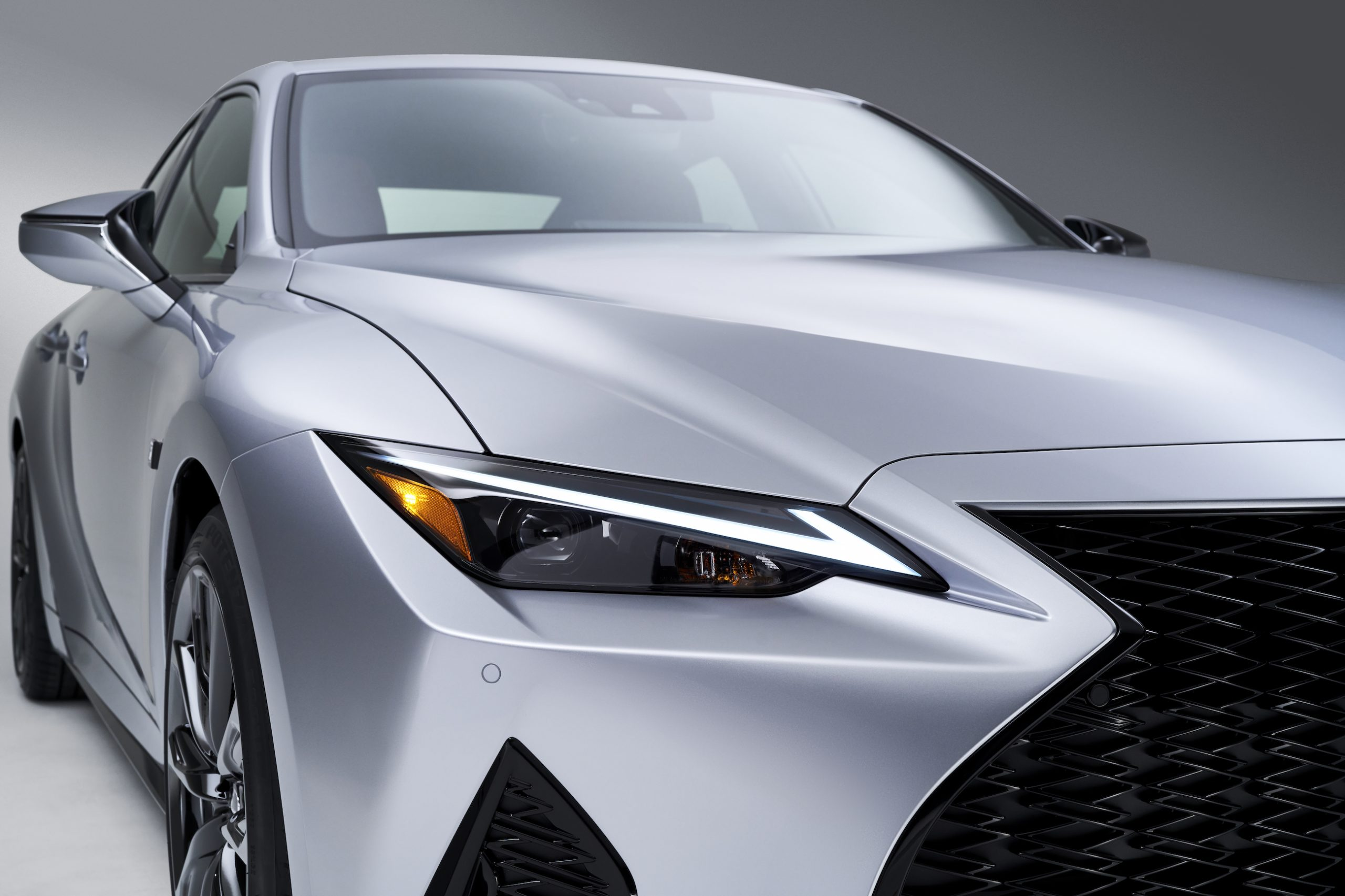 2021 Lexus IS 350 F Sport headlight