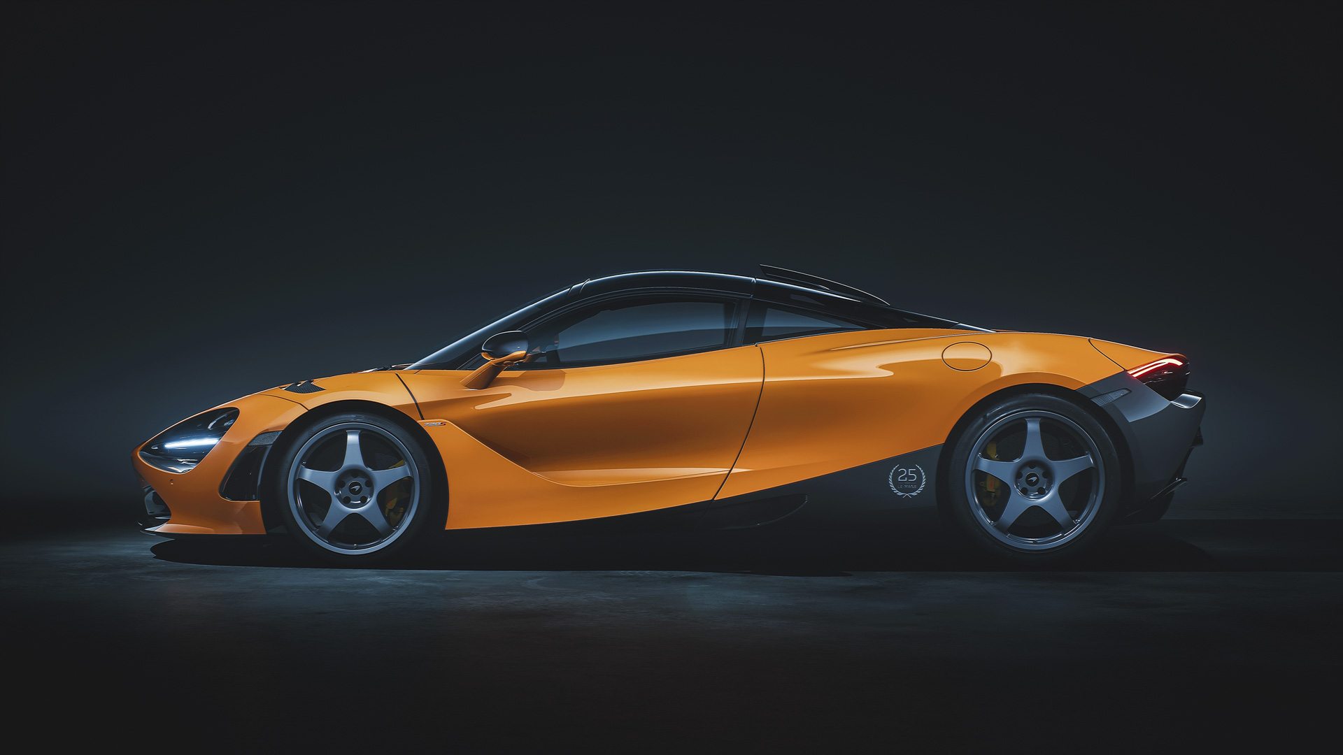 McLaren 720S Le Mans orange side