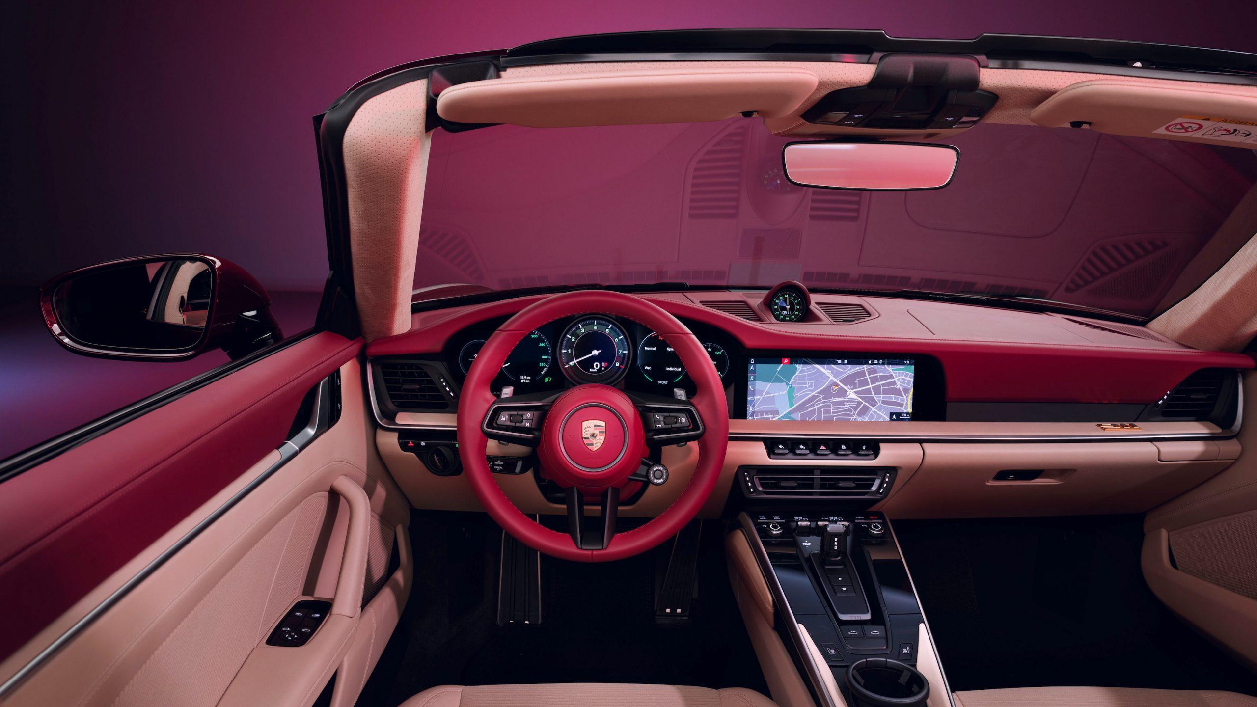 911 Targa 4S Heritage Design Interior Front