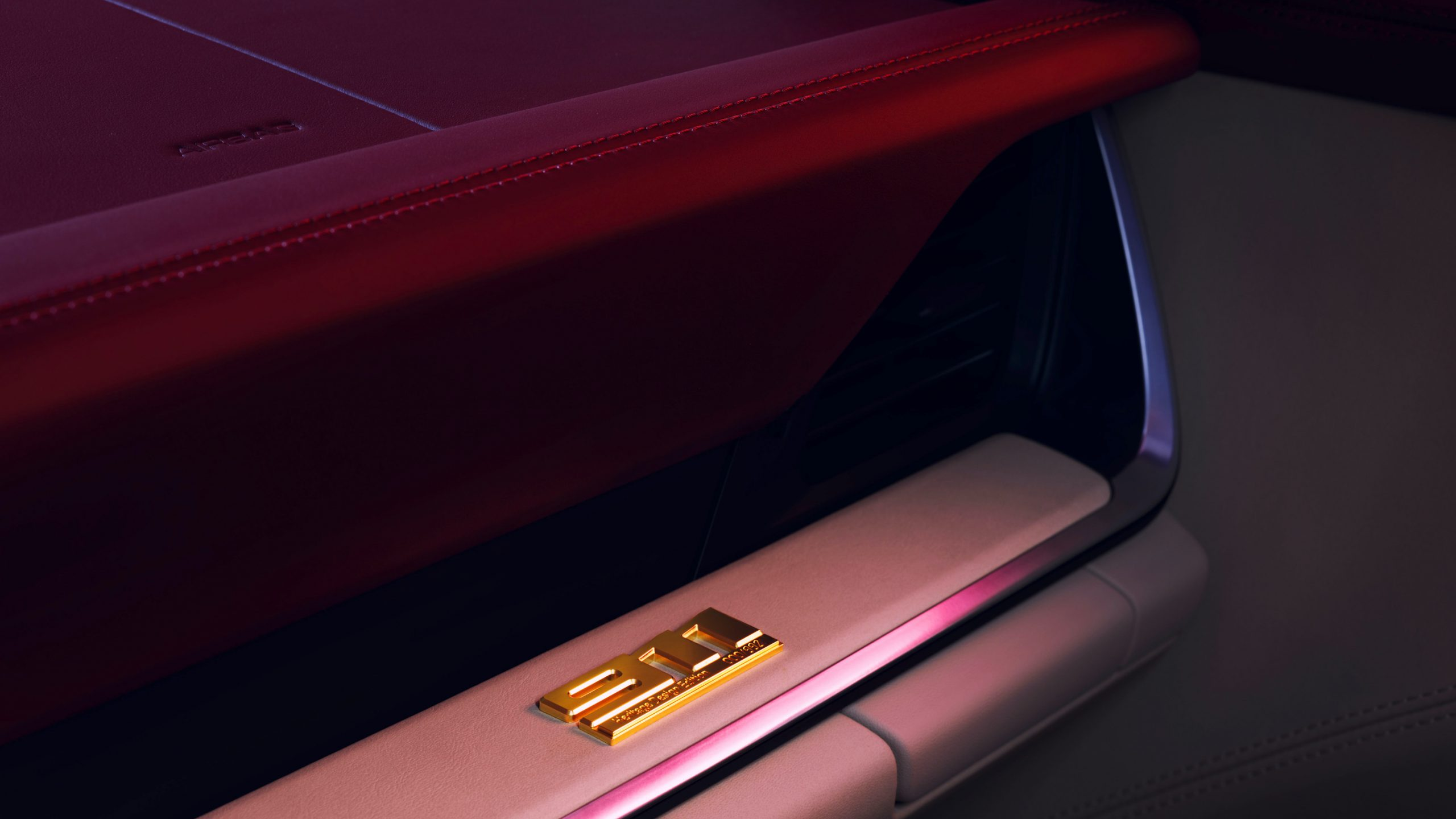 911 Targa 4S Heritage Design Badge Detail