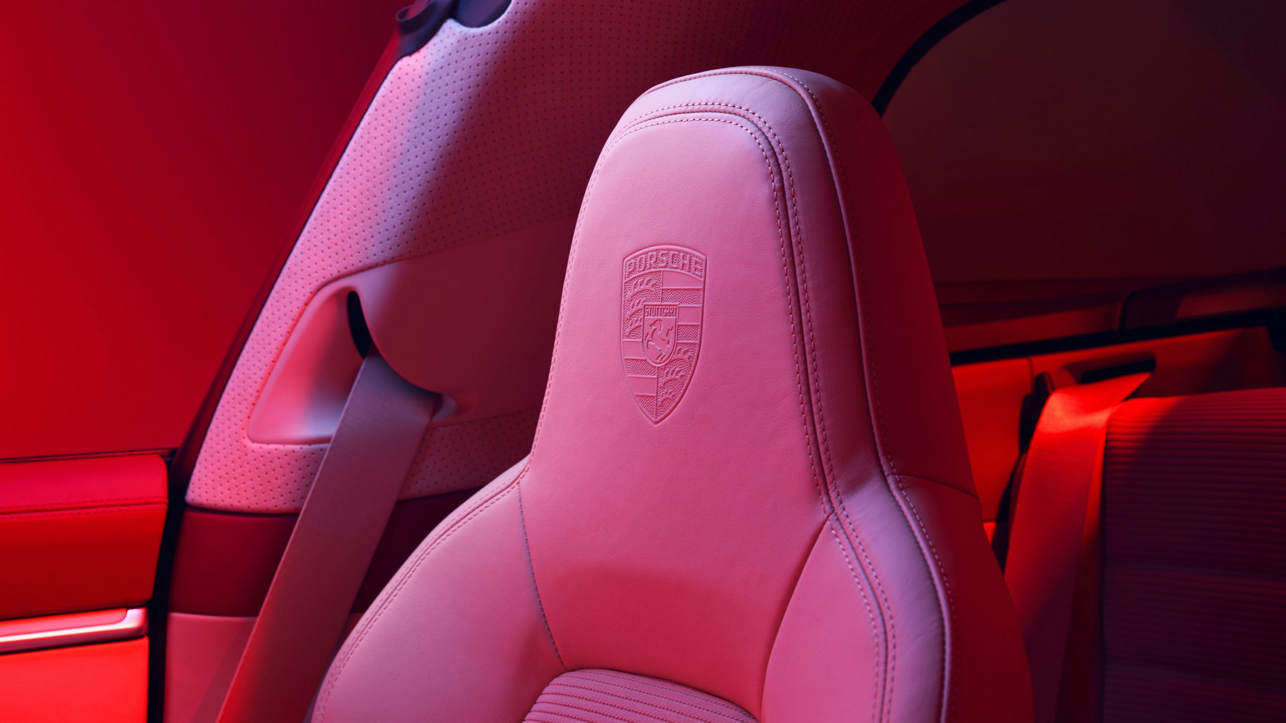 911 Targa 4S Heritage Design Headrest Detail