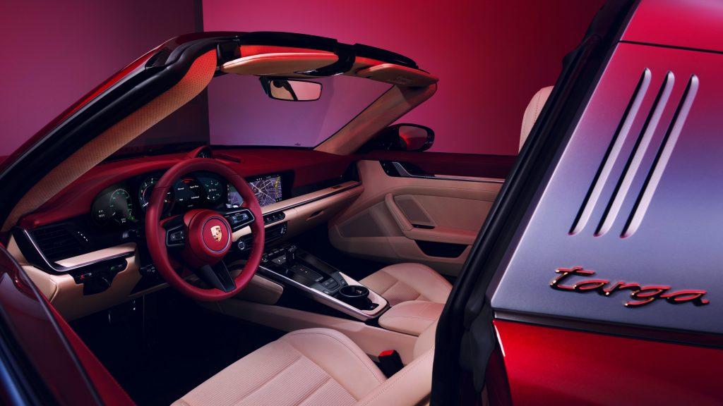 911 Targa 4S Heritage Design Interior Front Angle