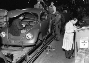 British take over Volkswagen 1945 - Mass production