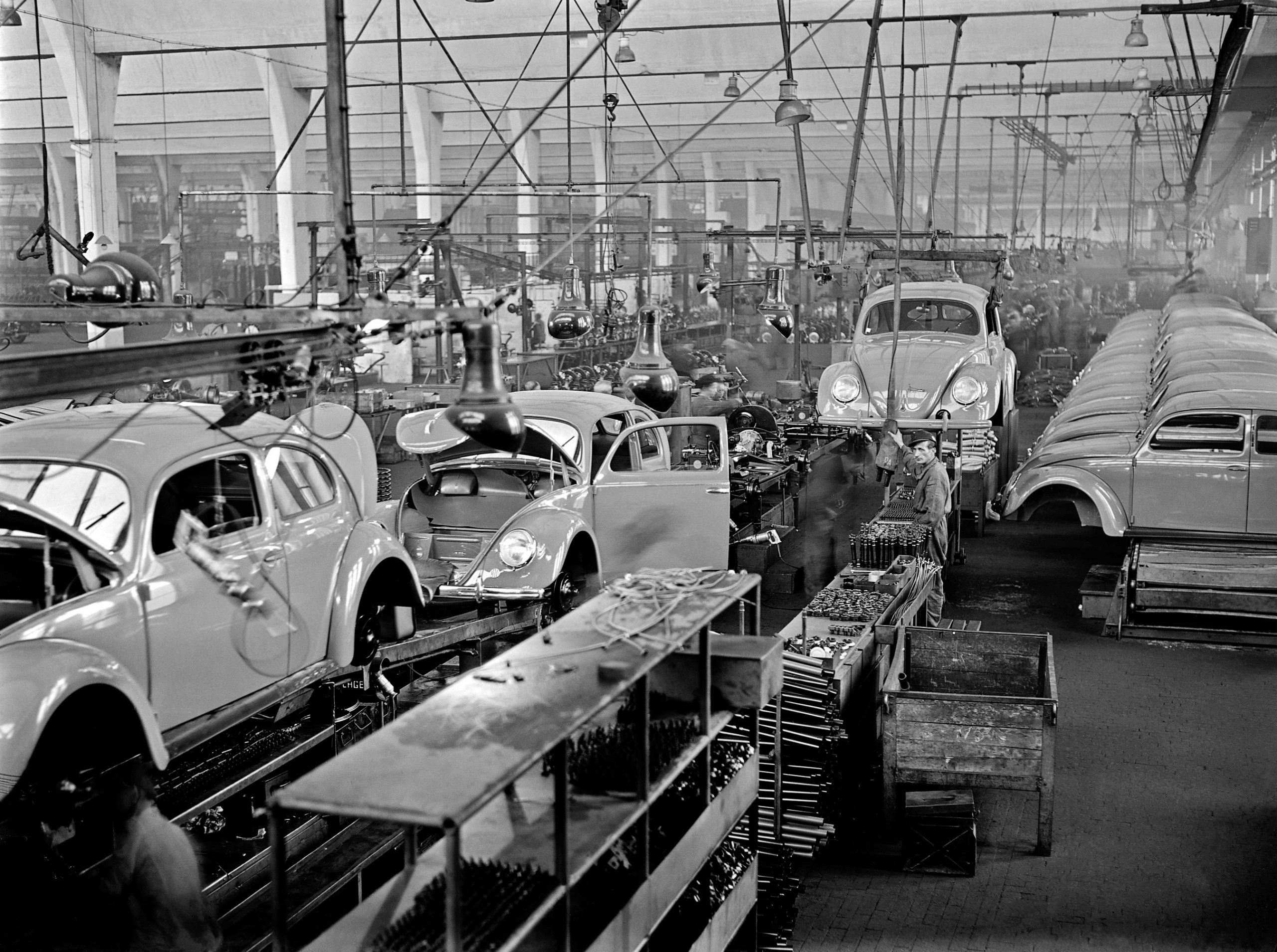British take over Volkswagen 1945 - Beetle production