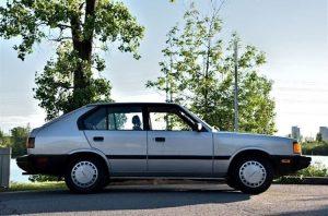 Brossard - 1986 Hyundai Pony - full passenger profile