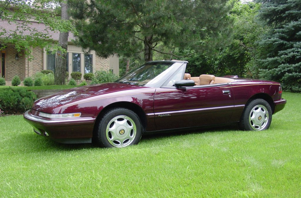 Reatta Convertible Coupe Front Three-Quarter In Grass