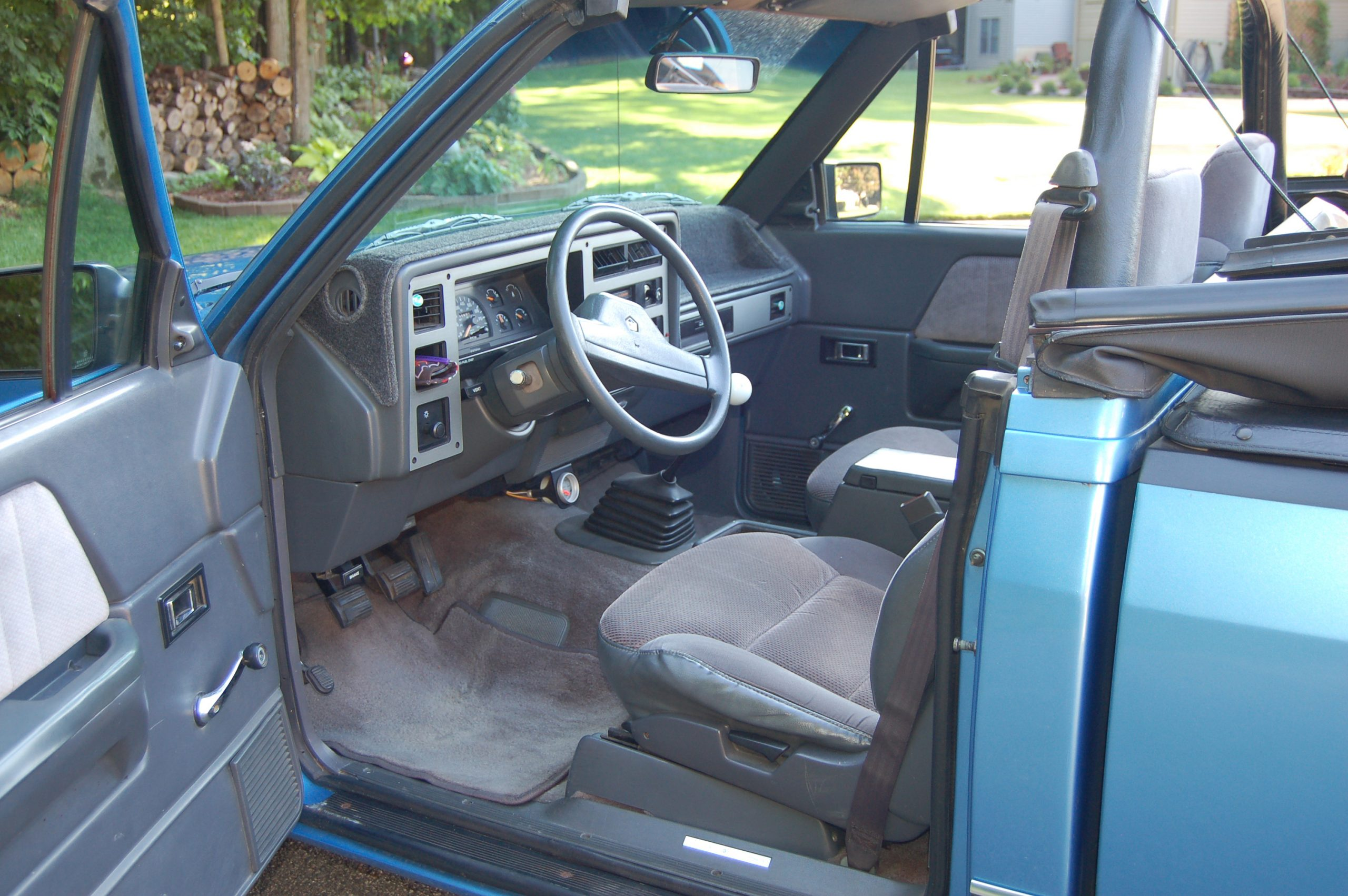 1990 Dodge Dakota Sport Convertible interior from driver side