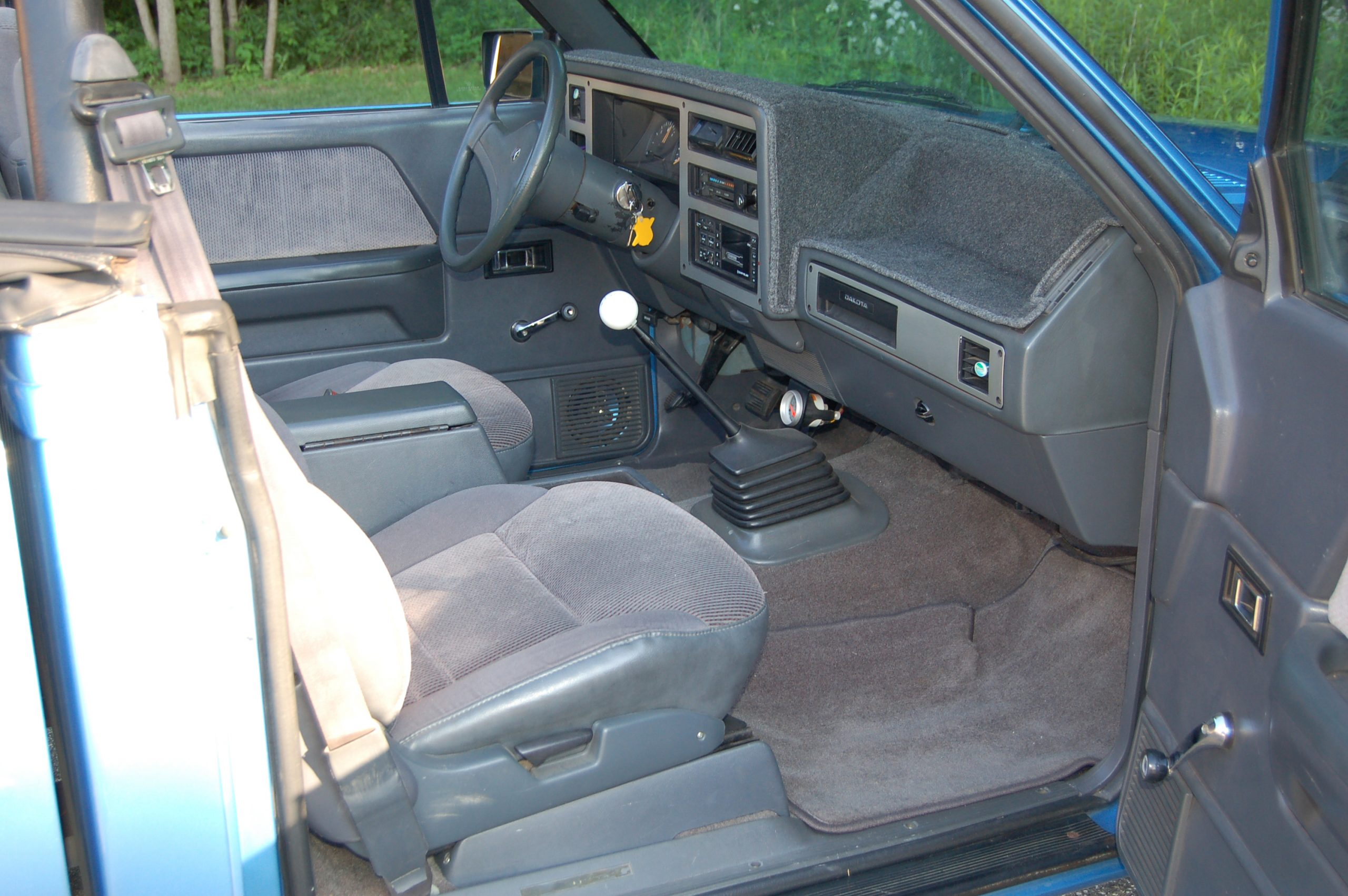 1990 Dodge Dakota Sport Convertible interior