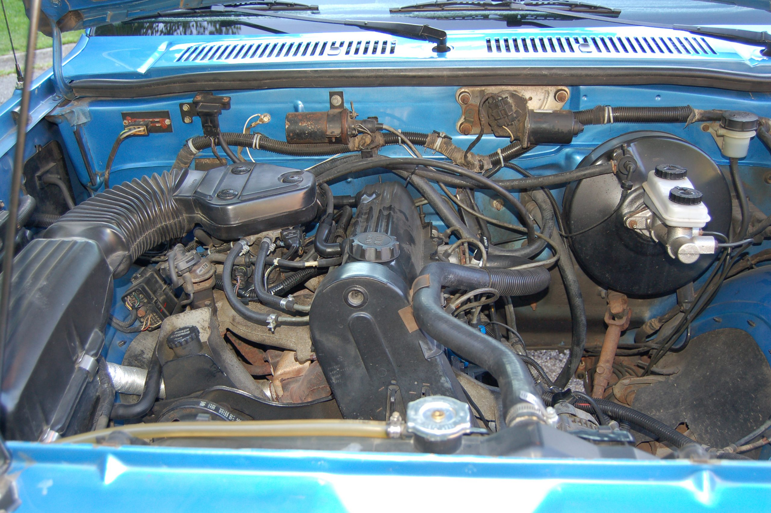 1990 Dodge Dakota Sport Convertible 4 cylinder engine 2