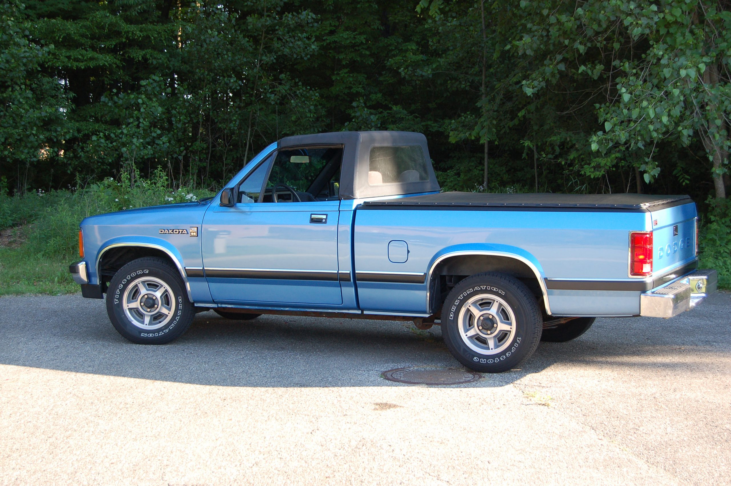 1990 Dodge Dakota Sport Convertible side profile