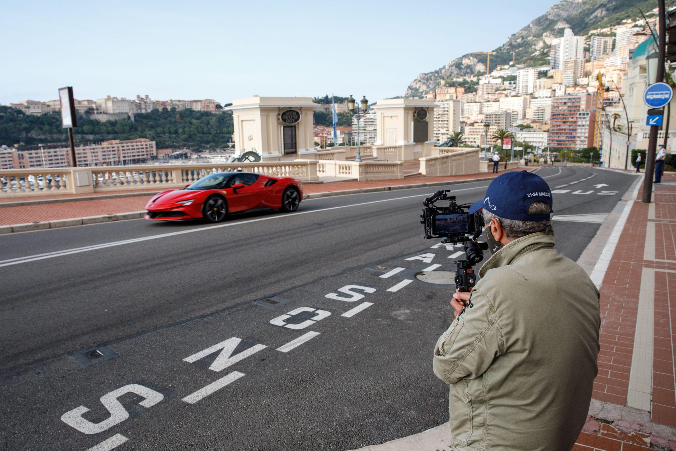 Ferrari_SF90_Stradale_Monaco_film