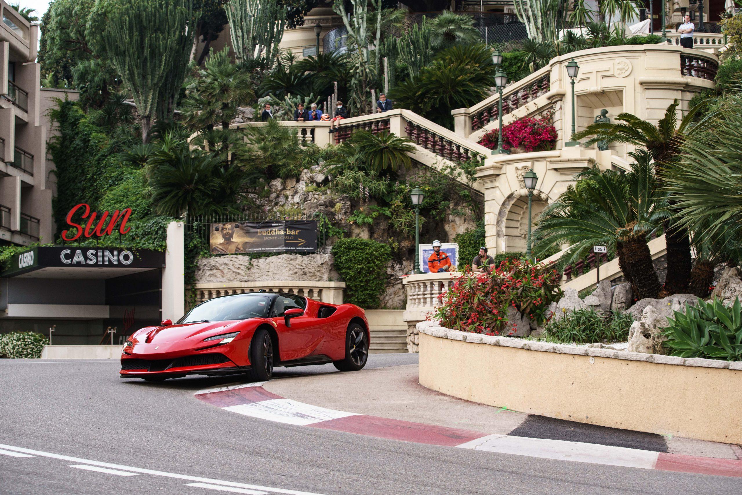 Ferrari_SF90_Stradale_monaco_casino
