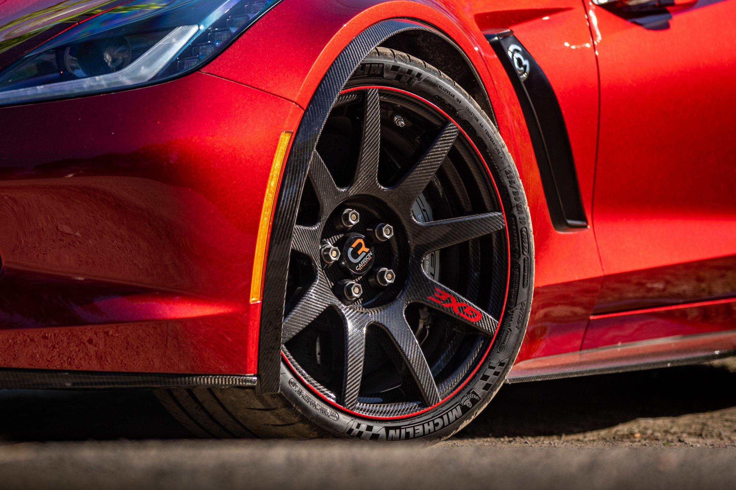 Genovation GXE C7 Corvette Carbon Wheel Close