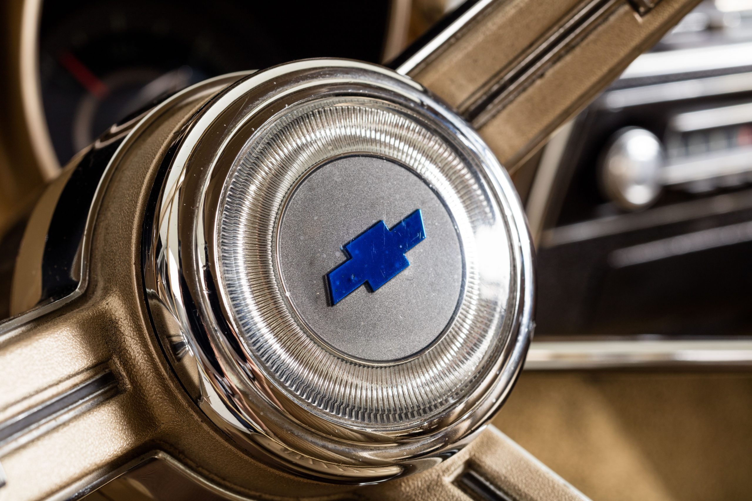 HVA - Chevrolet Camaro N100001 - Closeup steering wheel hub
