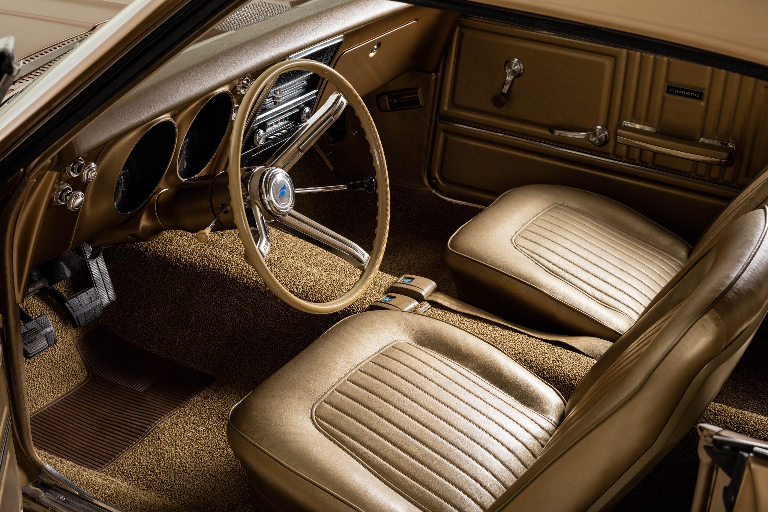HVA - Chevrolet Camaro N100001 - Interior front bucket seats and steering wheel
