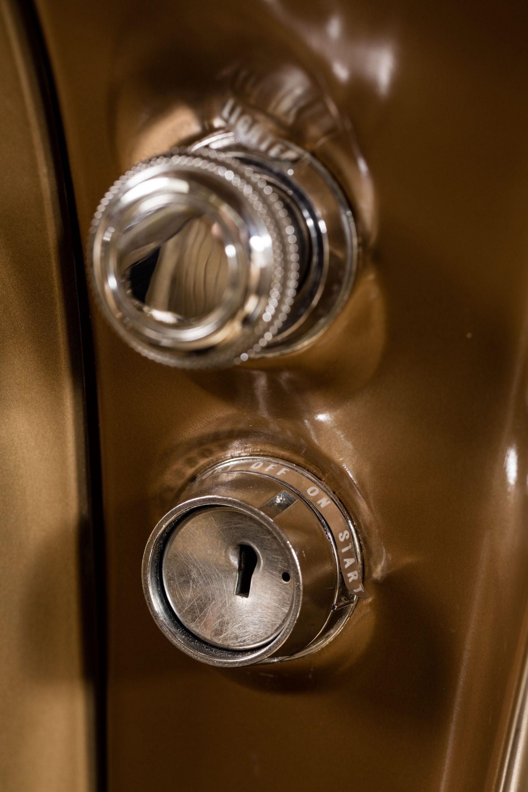 HVA - Chevrolet Camaro N100001 - Closeup ignition