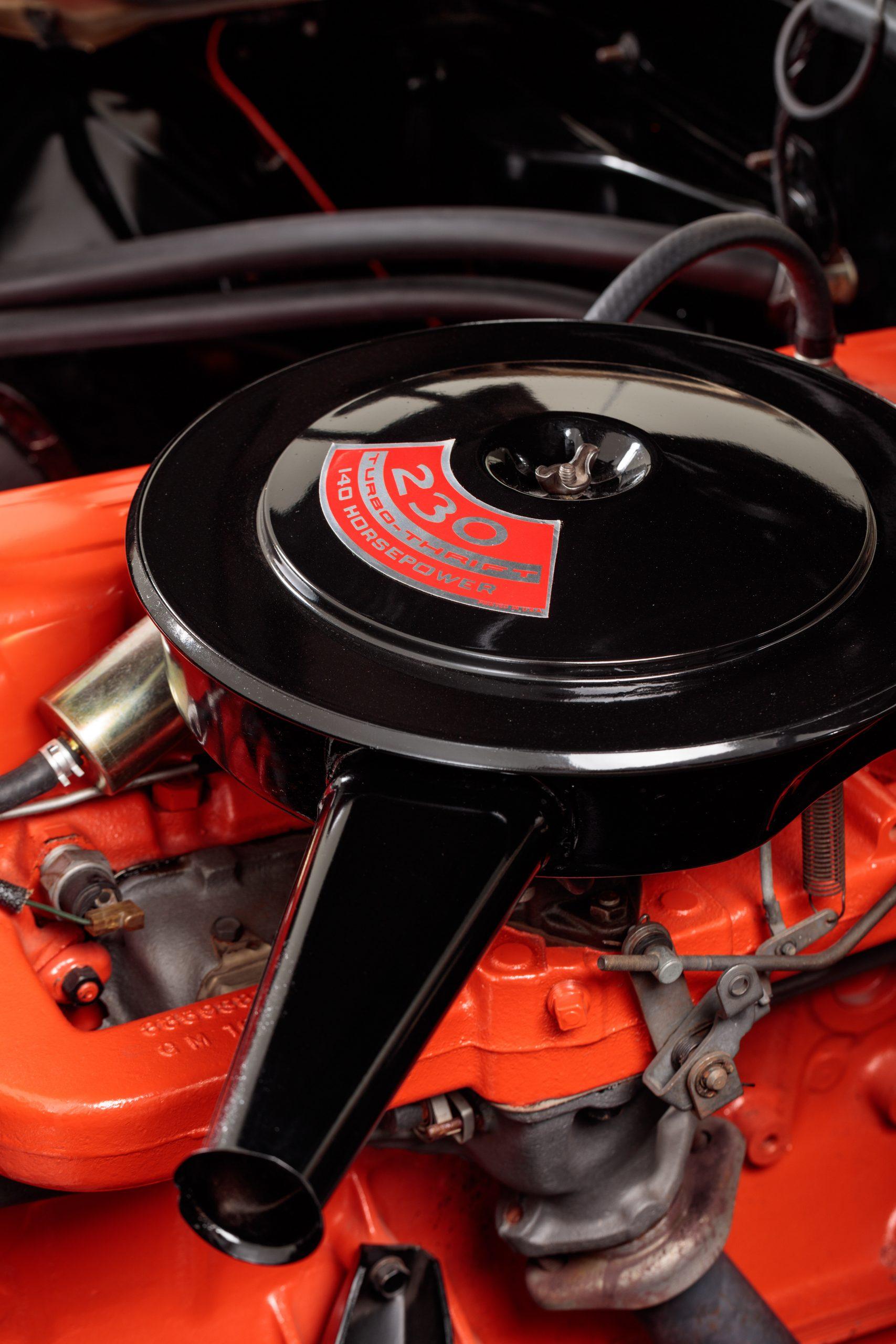 HVA - Chevrolet Camaro N100001 - Closeup engine air filter